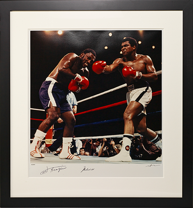 Photograph signed (vs. Joe Frazier)